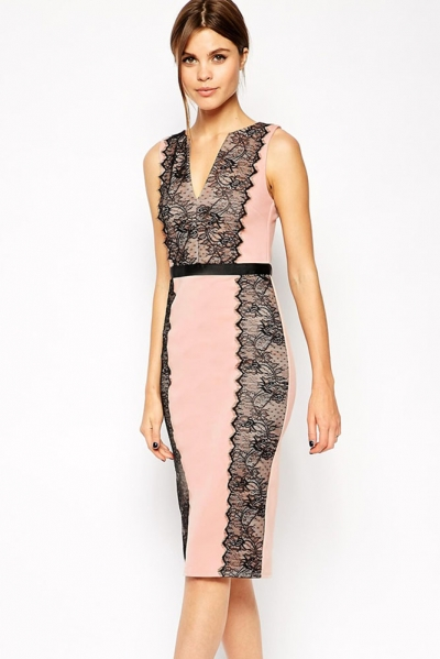 Lace Paneled Body-Conscious Dress