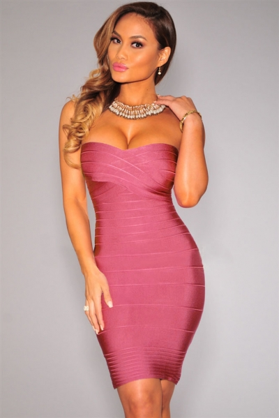 Elegant Formfitting Bandage Dress in Dark Pink